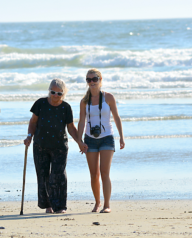 SPLASHmail - Feb 2016 Maggies mum 87th Birthday on the beach